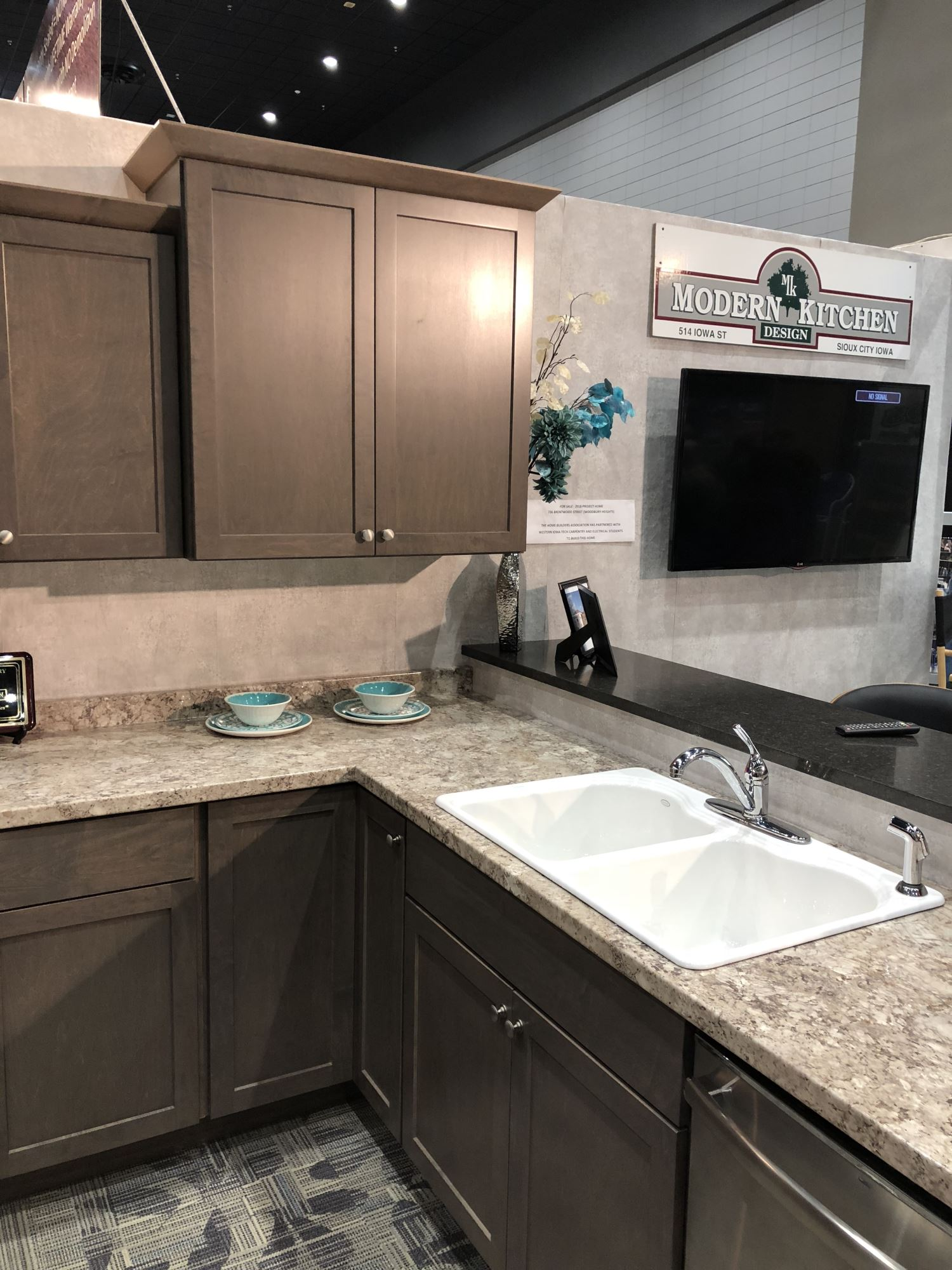 Modern Kitchen Design Displays At Sioux City Ia Home Show Vt Industries Inc